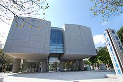 東京富士美術館 多摩ミュージア...